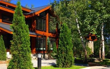 Роскошные деревянные дома Подмосковья на Рублевке