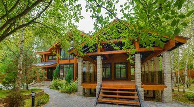 лучшие деревянные дома Рублевки, продажа деревянных домов на Рублево Успенском шоссе, купить дом в Жуковке Барвихе на Николиной Горе