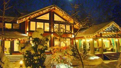 вилла (резиденция) президента рф, где живет президент россии, роскошный особняк из дерева в огарево, новый дом президента рф