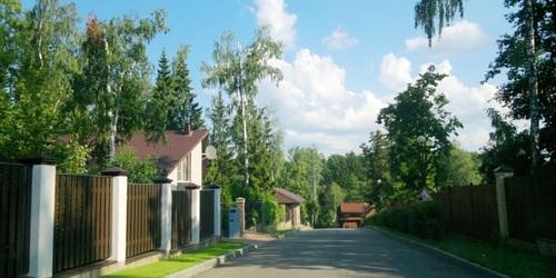 """улицы коттеджного поселка КП """"Сосны"""" инфраструктура продажа домов фото"""