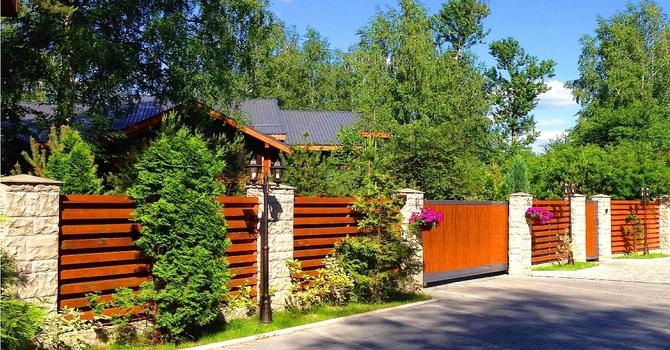 элитный деревянный дом в Подмосковье на Рублевке, о жизни загородом