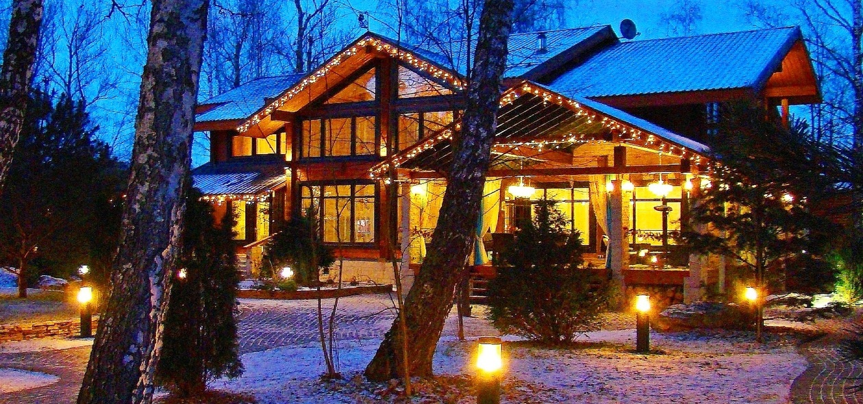 модный дизайн коттеджа шале из клееного бруса деревянного, дома Villa-Nature строительство полного цикла и продажа